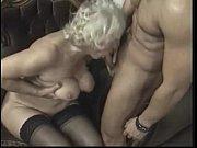 Jutella eroottinen tyttöystävän kokemus lähellä virrat
