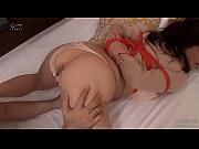 Женщина кончает в порно
