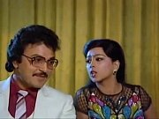 Rajinikanth, Sarath Babu &amp_ Pallavi in Yenakkuthan - Velaikaran Tamil Songs - YouTube [360p]