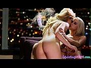 русская лесбиянка соблазнила девушку видео