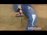 Lelu Love get&#039_s a cumshot on her feet
