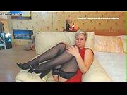 wm 444 mature black nylons legs.