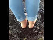 Cams4free.net - Bare Foot Babet in the Rain