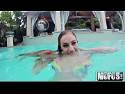 Skinny Dipping GF&#039_s Under Water BJ - Mofos.com