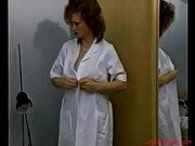 видео как мужчина с женщиной занимаются сексем в душе