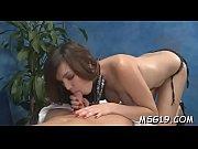 perverted girl gets fur pie massage