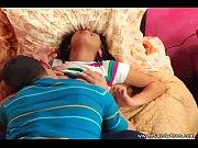 муж спит а жена с сыном трахается