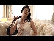 опытная дама флиртует видео