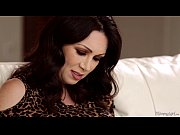 rayveness and gracie glam hot lesbian.