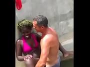 angolana puta muito fala