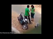 Jeune asiatique baise il baise une femme mature