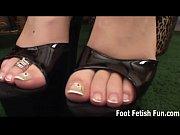 if you rub my feet i&#039_ll give you.