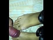 cum on feet, feet fetish, svr&scaron_avanje-na-nogice-moje-devojke