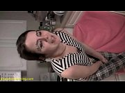 Cougar sexy salope mere salope baise son fils