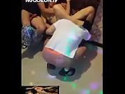 Hai thằng đụ chung em tiếp vi&ecirc_n Karaoke &ocirc_m - Nguoilon.Tv