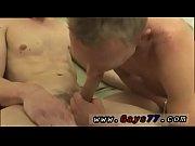 Strippari polttareihin pillu haisee