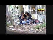Botou novinha teen pra chupar boquete no quintal ( mais em www.novinhaenua.com )