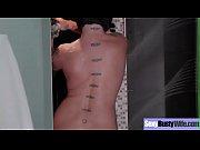 лесби девушка соблазнила подругу на секс видео