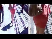 milf en minifalda paseando por las calles de puebla