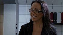 Mandy Bright fickt den Heizungsmonteur - Hardco...