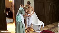 Judit Juliette and Jessica have a bath and sedu...