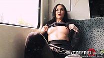 HITZEFREI.dating PUBLIC Berliner Göre nackt in S-Bahn & an Bahnhof gefickt Thumbnail