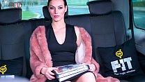 VIP SEX VAULT - Glamorous MILF Wife Sarah Highl...