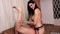 Download video bokep She's a professional male anus stretcher 3gp terbaru