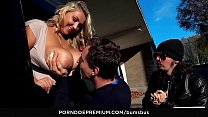 BUMS BUS - Czech PAWG Krystal Swift enjoys hard...