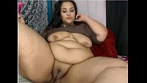 BBW plays with pussy