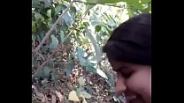 Desi girl very nice sucking n fucking in forest... Thumbnail