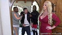 Orgie Sexuala Cu Blonda Fututa De Doi Negrii