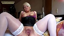 Hot milf masturbating in outfit (HOT) - THEWILD...