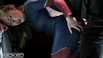 WickedParodies - Supergirl Seduces Braniac Into...