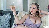 Screenshot Stepmom's  Huge Exposed Titties tties