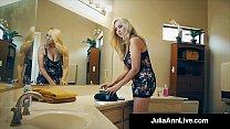 The Hottest Milf In Porn Julia Ann Bangs A Tota...