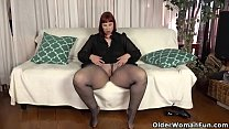 USA milf Scarlett shows us her nyloned wide hip... Thumbnail