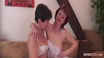 Saggy tits lesbian have a big dildo
