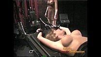 Luscious blonde tart likes having her pussy ple...