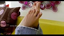 Cute brunette babe with sexy feet sex