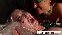 Download video bokep Poison Ivy sticks a bat up Harley's ass! 3gp terbaru