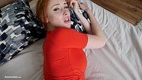 Hot redhead with big boobs makes a homemade ama...