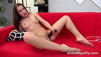 Wetandpuffy - Xxl Pussy Lip Tease