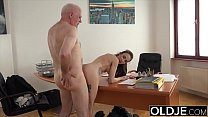Teen in college gives her professor a blowjob t...