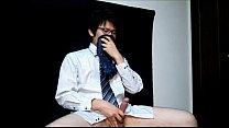ชินจิ หนุ่มอ้อฟฟิตทำโอทีดึกเลยมานั่งถ่ายคลิปถอดกางเกงชักว่าวเสียวควยแข็งเด็ดเหลือเกิน