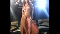 Anushka Sharma Boobs Shown During Shooting Thumbnail