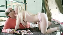Young wife pleases her sugar daddy with her per...