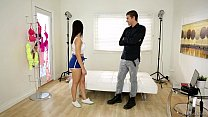 Valentina Nappi plays with the photographer - P...