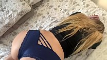Step daughter catched by her dad twerking for s...