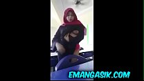 Download video bokep [FULL] Video 18  jilbab 2018 mirip artis indone... 3gp terbaru